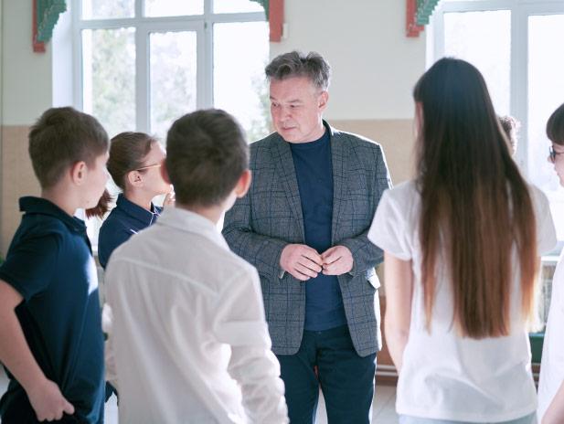 Учитель собирает занятие налету, гибко реагируя наизменение учебной ситуации